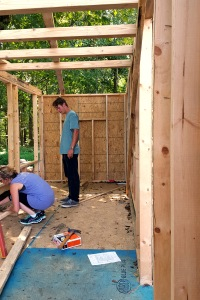 Getting OSB panels on the wood framing. 15.sep.